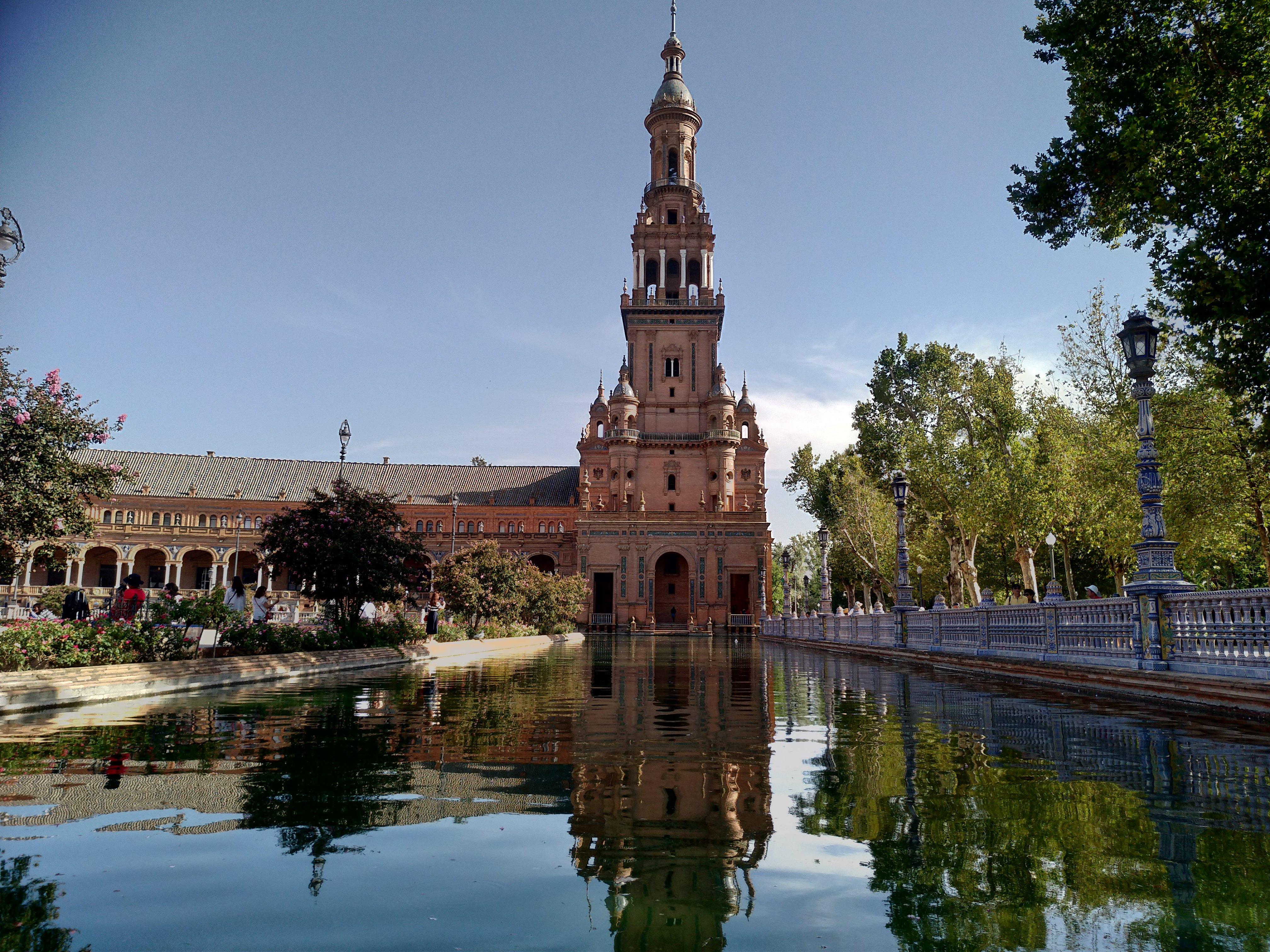 Andalusia Siviglia senza automobile, Plaza de Espana