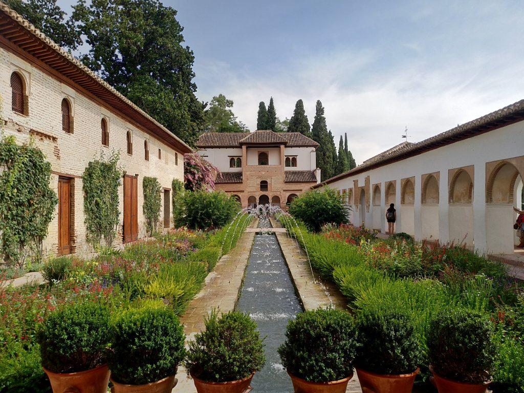 Granada e l'alhambra, l'ultima roccaforte dell'impero arabo