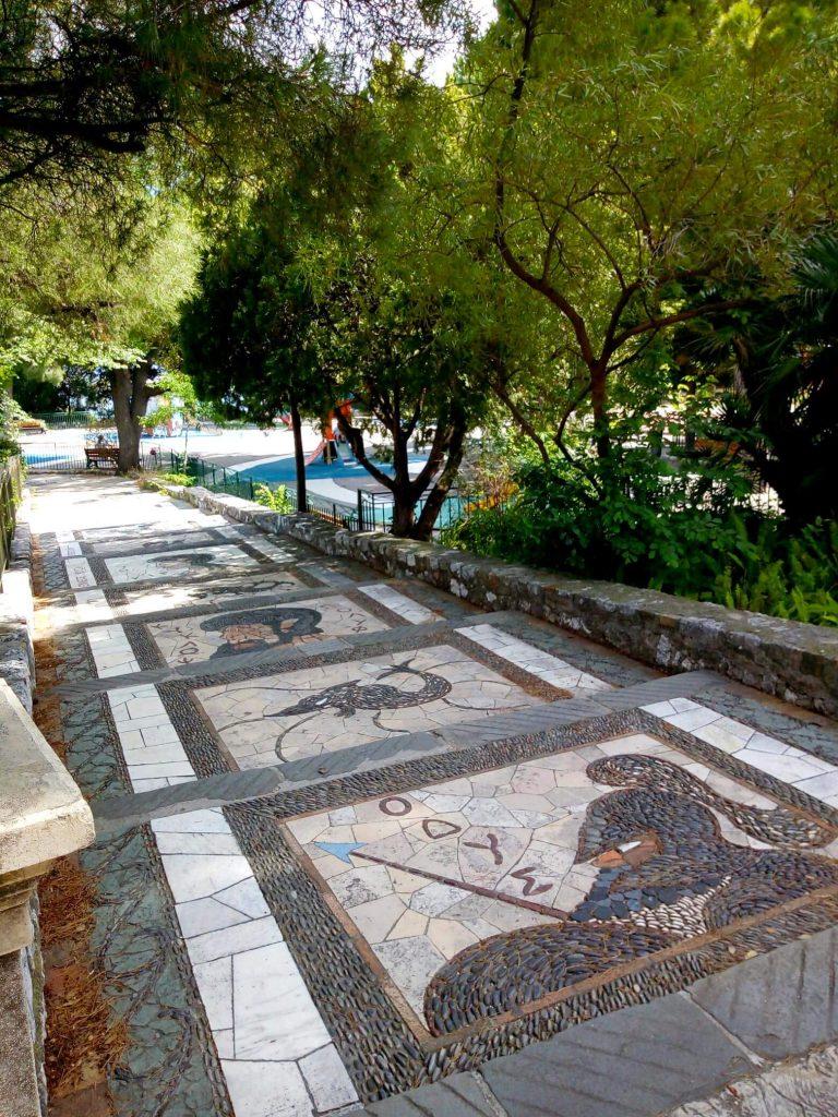 Mosaici a Nizza con scene tratte dall'Odissea